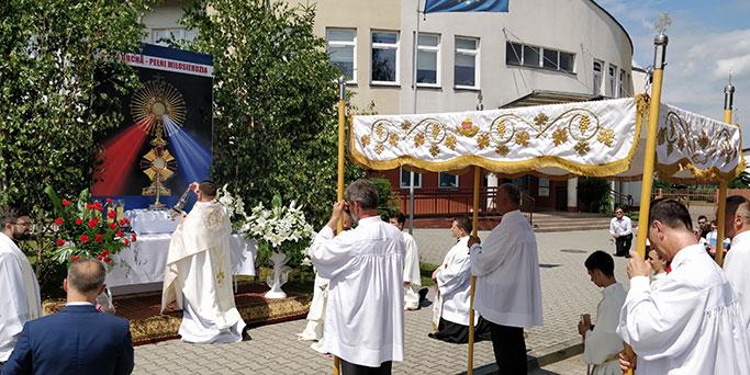 Ołtarz II